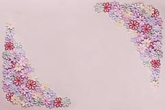 För blommamodell för broderi färgrik textur och bakgrund på a Royaltyfri Fotografi