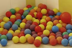 För bollar grundskola för barn mellan 5 och 11 år Pre Arkivfoton