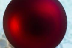 För bolljulgran för jul röd closeup Fotografering för Bildbyråer