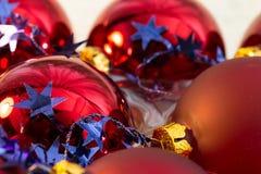 För bolljulgran för jul röd closeup Royaltyfria Foton