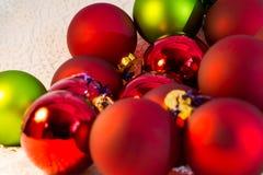 För bolljulgran för jul röd closeup Royaltyfri Foto