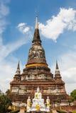 För buddha för blå himmel för yai chai wat kon ayutthaya mong Royaltyfri Fotografi