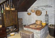 För bygdmatlagning för traditionell kines ugn royaltyfri bild