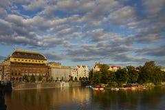 För byggnadsstad för nationell teater för Prague arv gränsmärke Arkivfoto