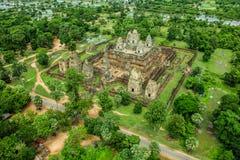 För Byon Tample Bakheng för tample för dam för lodisPhoun tempel tolv Angkor Wat Siem Reap Kambodja montering kungarike av under Arkivbild