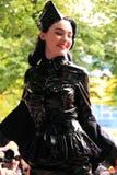 för catwalk lovettmae lilly arkivfoton