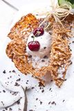 is för Cherrykokosnötkräm Royaltyfri Bild