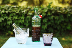för citrus vatten för sommar drinkis för karaff orange Arkivbild