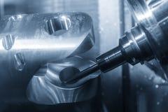 För CNC-malning för 5 axel maskinen Arkivfoton
