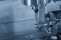 För CNC-malning för 3 axel maskinen royaltyfria foton