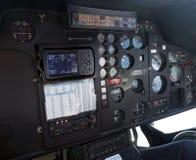 för cockpitkontrolldjup för fält för fokus för helikopter grund stick närmast Royaltyfri Bild