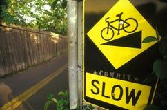 för cykel långsam säkerhet ner Arkivfoton