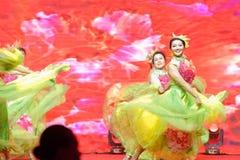 För dans-kvinnor för kines dröm- berömmar för handelskammare entreprenörer Royaltyfria Bilder