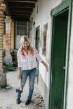 för den grymma säger miniatyrreaperen halloween för kalenderbegreppsdatumet lyckliga holdingen scythestanding Kuslig materielbild Royaltyfri Foto