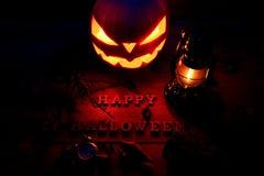 för den grymma säger miniatyrreaperen halloween för kalenderbegreppsdatumet lyckliga holdingen scythestanding Bakgrund av den mys Fotografering för Bildbyråer