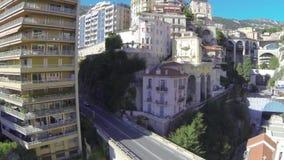 För det Monte Carlo Drone för den Monaco stadsstaden havet för yahts för port flyget sänker stock video