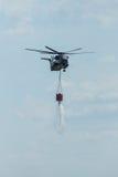 för det Sikorsky CH-53 för Skurkroll-elevatorn lasthelikoptern hingsten havet av den tyska armén med utrustning för att slåss avf Royaltyfri Fotografi