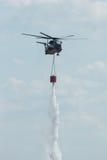 för det Sikorsky CH-53 för Skurkroll-elevatorn lasthelikoptern hingsten havet av den tyska armén med utrustning för att slåss avf Royaltyfria Foton