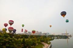 5th Den hoade Putrajaya landskampen luftar ballongfiestaen 2013 Royaltyfri Foto