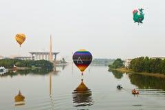 5th Den hoade Putrajaya landskampen luftar ballongfiestaen 2013 Arkivbild