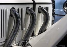för detaljmotor för bil klassiskt avgasrör Arkivbilder