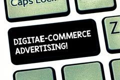 För Digital E för ordhandstiltext annonsering kommers Affärsidé för handel av varor och tjänst genom att använda rengöringsduken vektor illustrationer