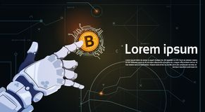 För Digital för mynt för bit för Crypto valutabegrepp som hand för robot för Bitcoins rörande guld- pengar rengöringsduk bryter t Royaltyfria Bilder