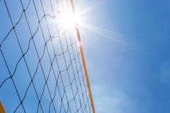 för djupfält för bakgrund grund volleyboll för oskarpt hav för framdel netto Royaltyfri Bild