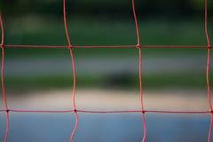 för djupfält för bakgrund grund volleyboll för oskarpt hav för framdel netto fotografering för bildbyråer
