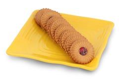 för driftstoppplatta för closeup kaka fylld yellow Royaltyfria Bilder