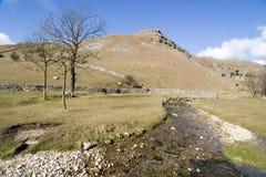 för england för 9007 dalar malham goredale nära ärret yorkshire Arkivfoto