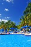 för england för däck för dag för strandbrighton stol blåsig sun för sommar för sjösida för lounger ferie Royaltyfri Bild