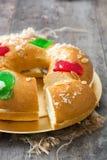 För epiphanykaka för spanjor typisk Roscon de Reyes för ` `, arkivfoton