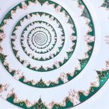 För färgprydnad för grön guld vit bakgrund för modell för fractal för abstrakt begrepp för effekt för spiral för maträtt Vit frac royaltyfri bild