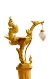 För fågellampa för thailändsk stil guld- staty Royaltyfri Foto