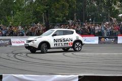 För första gången i Tyumen 18.08.2013 storstilat Nismo G-drev Arkivfoton