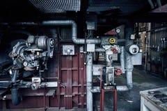 För fabriksbyggnad för gammal borttappad abandonend industriell kraftstation Fotografering för Bildbyråer