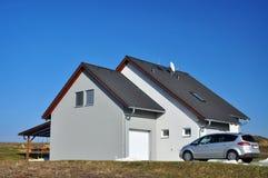 för familjhus för bakgrund 3d isolerad white illustration Royaltyfria Bilder