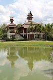 för familjhus för bakgrund 3d isolerad white illustration Royaltyfria Foton