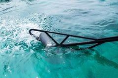För fartygmotor för lång svans swash för rulle för propeller Royaltyfri Foto