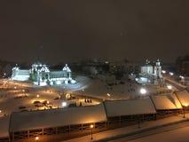 för felik provinsiell kort liknande saga latvia för julstad natt till fotografering för bildbyråer