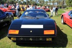 För Ferrari 512 för klassiker frontal sikt för svart sportbil bbi Arkivfoto
