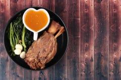 För fett recept ut av kokt griskött Arkivfoto