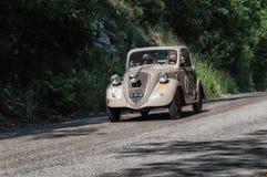 ` 1948 FÖR FIAT 500 B ` TOPOLINO Arkivfoton