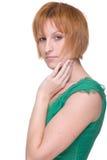 för flickagreen för tät klänning emotionell stående upp Arkivbilder