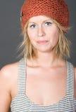 för flickahatt för beanie blont gulligt le Fotografering för Bildbyråer
