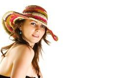 för flickahatt för strand färgrikt slitage arkivbilder