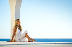 för flickahav för 4 klänning white för solnedgång Fotografering för Bildbyråer