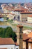 för florence italy för bro berömd vecchio ponte Arkivfoto