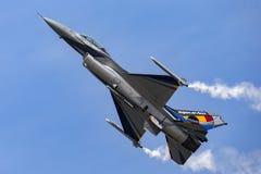 För flygvapenGeneral Dynamics F-16AM för belgisk luft del- belgiskt flygplan för kämpe för falk stridighet Arkivfoto